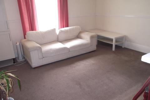 2 bedroom flat to rent - Oak Villas, Chapel Lane, Brdford BD15
