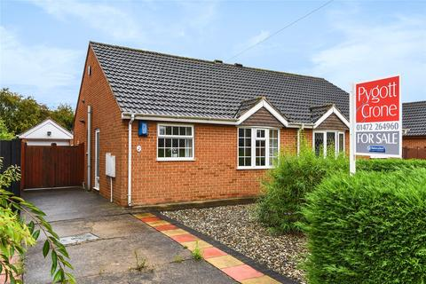 2 bedroom semi-detached bungalow for sale - Meadowbank, Great Coates, DN37