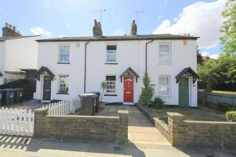 2 bedroom cottage to rent - Chase Road, London