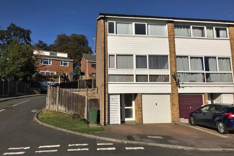 3 bedroom end of terrace house to rent - Norman Close, Maidstone
