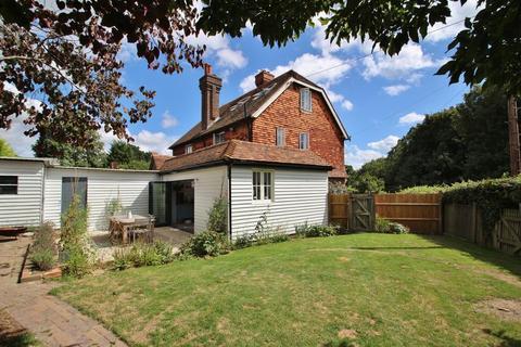 3 bedroom semi-detached house for sale - Lamberhurst Down, Tunbridge Wells