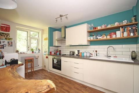 2 bedroom apartment to rent - Hillside Road, Bath