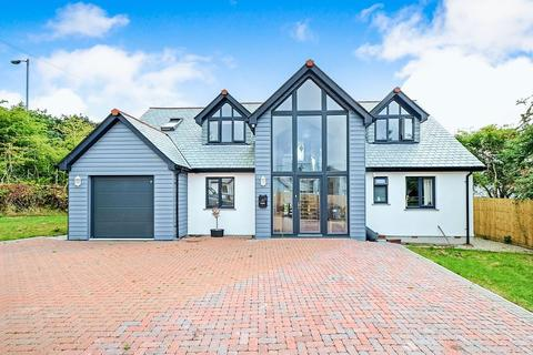 4 bedroom detached house for sale - High Street, St. Austell