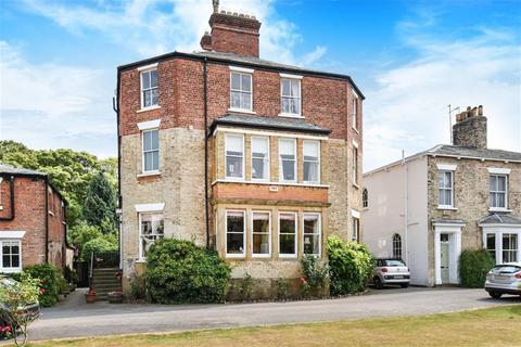6 bedroom detached house for sale - Norfolk Street, Beverley, East Yorkshire, HU17 7DN