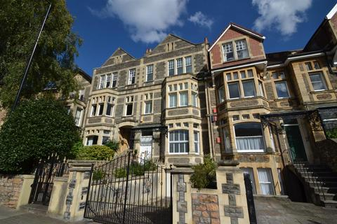 6 bedroom house to rent - Pembroke Road, Clifton