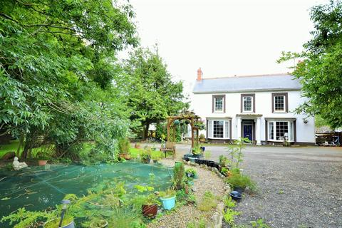 5 bedroom property with land for sale - Fishguard Road, Haverfordwest