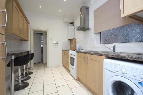 4 bedroom house to rent - Wells House Road, North Acton, NW10 6EA