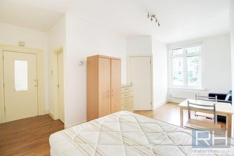 Studio to rent - Crouch Hill , London, N4