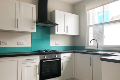 2 bedroom maisonette to rent - Gloucester Road