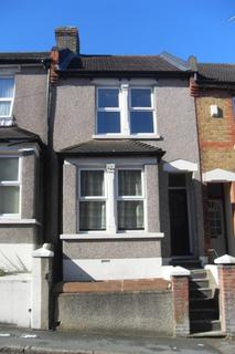 2 bedroom terraced house - Cecil Road, Rochester
