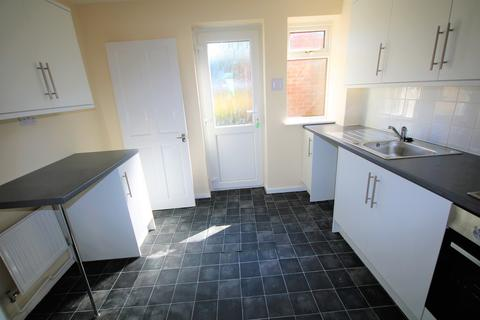 3 bedroom semi-detached house to rent - West Avenue