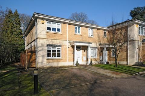 4 bedroom detached house for sale - Stanmore, Middlesex, HA7