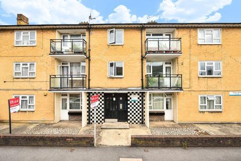 2 bedroom flat for sale - Naylor Road, Peckham