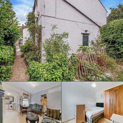 2 bedroom cottage for sale - Wallis's Cottages, Brixton, SW2