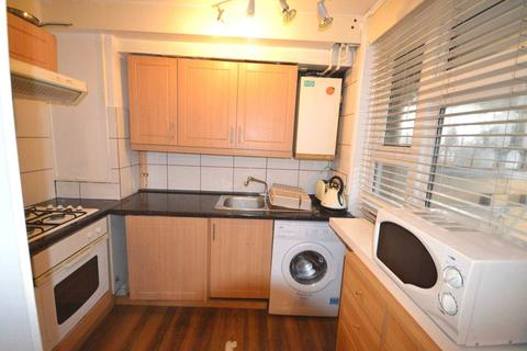 Studio to rent - Hackney Road, Bethnal Green