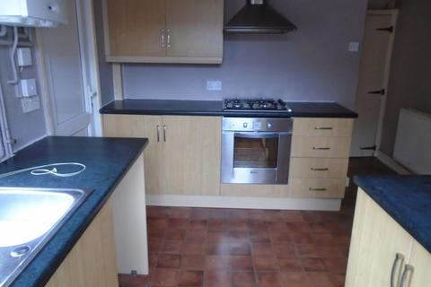 3 bedroom terraced house to rent - Claremont Road, MANCHESTER M14