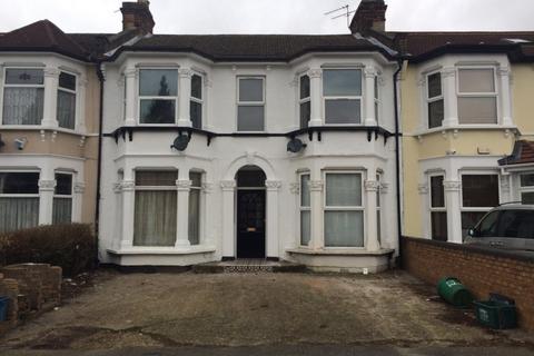 3 bedroom flat for sale - Elgin Road, Ilford, IG3