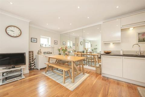 1 bedroom flat for sale - Chatfield Road, SW11