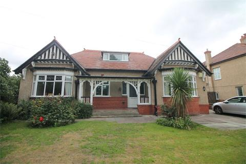 4 bedroom detached bungalow for sale - Forefield Lane, Crosby, LIVERPOOL, Merseyside