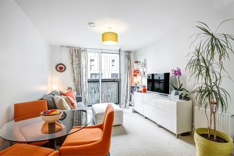 1 bedroom flat for sale - Woods House, 7 Gatliff Road, London