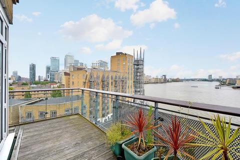 2 bedroom apartment to rent - Dunbar Wharf Narrow Street E14