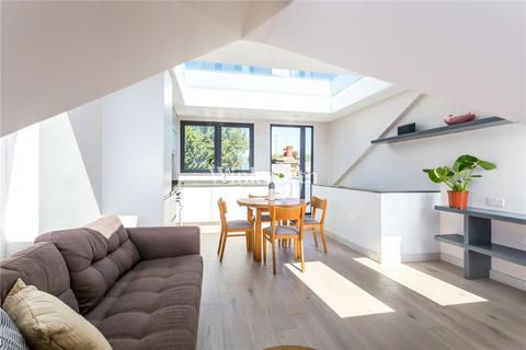 3 bedroom flat for sale - Effingham Road, London, N8