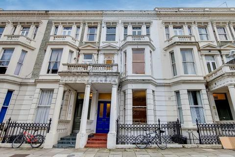 2 bedroom flat to rent - Fairholme Road, Barons Court, London, W14 9JZ