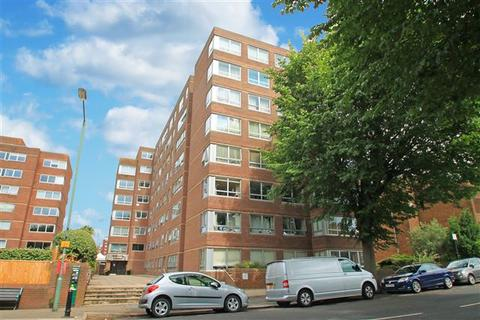 2 bedroom flat for sale - Eaton Road, Hove