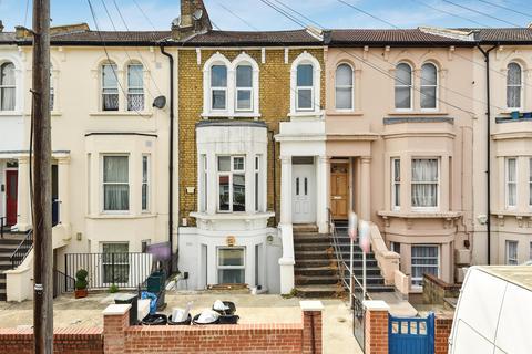 1 bedroom flat for sale - Mosslea Road, London, SE20 7BW