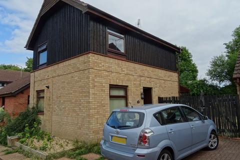 3 bedroom semi-detached house to rent - Hazel Croft, Werrington, Peterborough PE4 5BJ