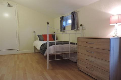 1 bedroom house share to rent - Rm5, New Road, Woodston, Peterborough, PE2 9HF