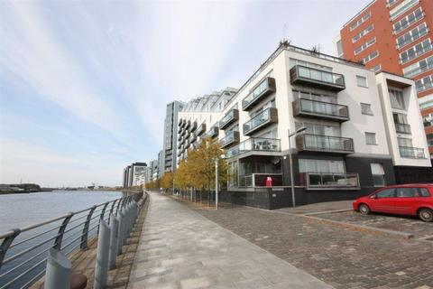 2 bedroom flat to rent - Flat 1/2, 300 Meadowside Quay Walk