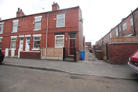 2 bedroom end of terrace house to rent - Melton Street, Reddish