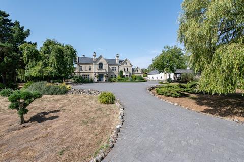 9 bedroom detached house for sale - Noak Hill, Nr South Weald