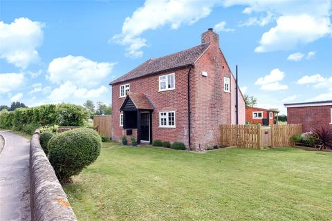 Guest house for sale - Selsey Road, Sidlesham, Chichester, West Sussex, PO20