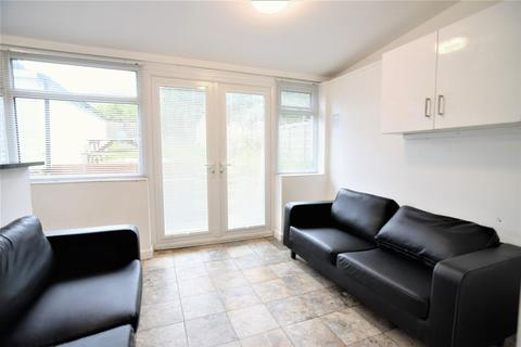 6 bedroom house to rent - Coldean lane