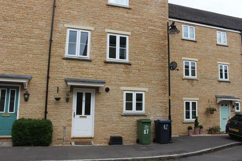 4 bedroom townhouse to rent - Linnet Road, Calne
