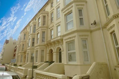 Studio to rent - Nightingale Road, Southsea