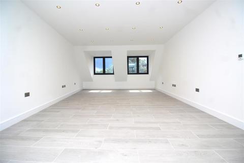 3 bedroom flat for sale - West Green Road, London