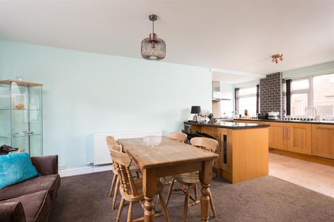 3 bedroom detached house for sale - Linley Avenue, Haxby, York, YO32 3NE