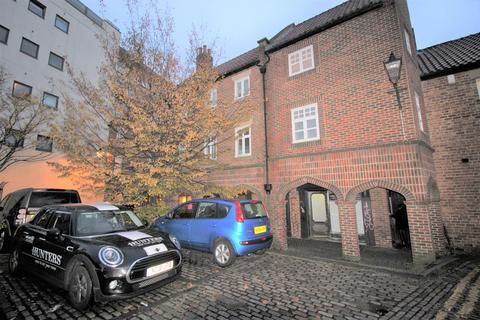 3 bedroom flat to rent - Taylor Court, Monk Street, Newcastle Upon Tyne, NE1 5XD