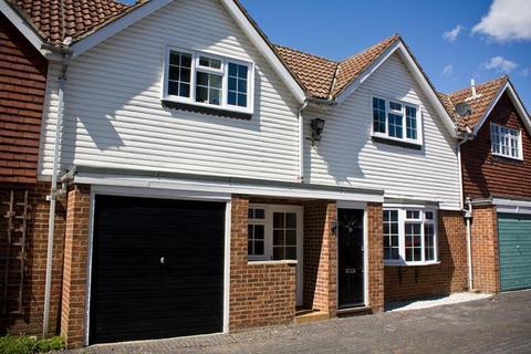 2 bedroom mews to rent - Belmont Mews, Camberley, Surrey GU15