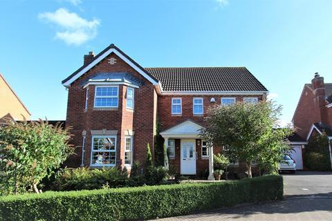 4 bedroom detached house for sale - Chalfield Close, Keynsham, Bristol