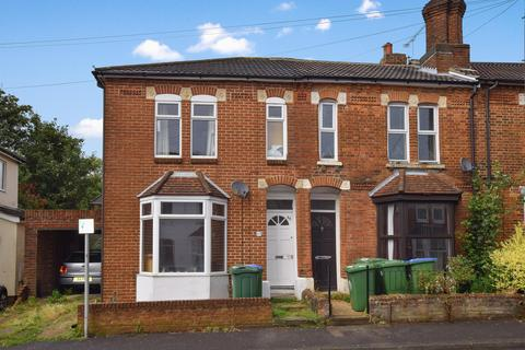 4 bedroom semi-detached house to rent - Cromwell Road, Southampton, Hampshire, SO15 2JE
