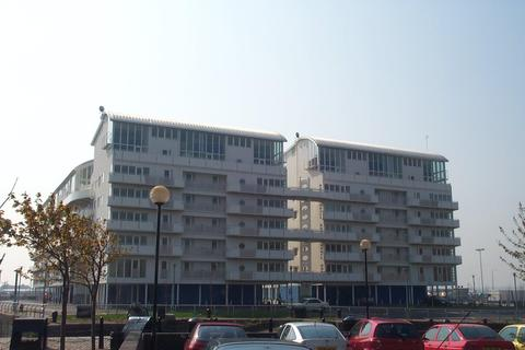 2 bedroom apartment to rent - Royal Quay, Kings Dock