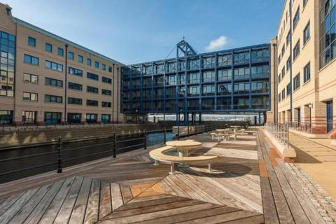 2 bedroom apartment to rent - The Keel, Queens Dock