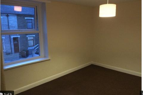 4 bedroom house to rent - Carlisle street Bd8