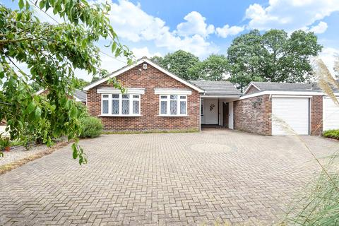 4 bedroom detached bungalow for sale - Ulcombe Road, Langley