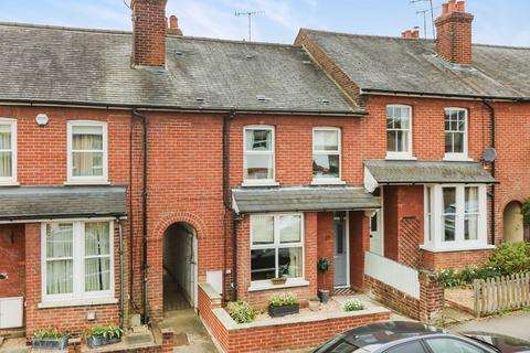 3 bedroom terraced house for sale - Godalming. Within Half Mile To Station And Town.