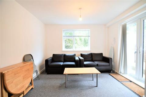 1 bedroom house share to rent - Uplands Road, Brighton